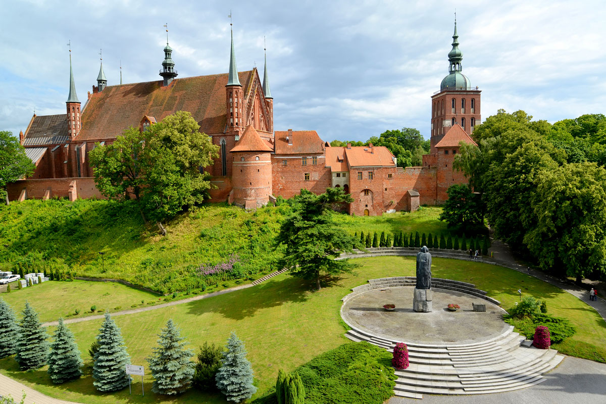 Taxi transport from airport Gdansk to Frombork