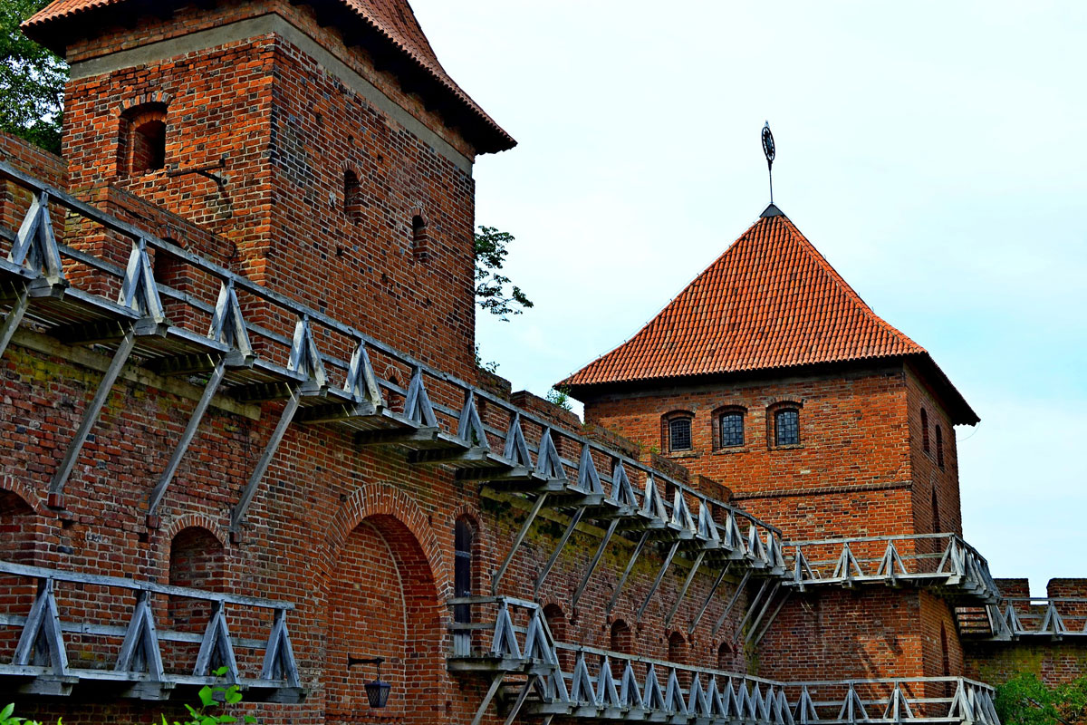 Private tours with guide fro Gdansk, Sopot, Gdynia to Castle Frombork