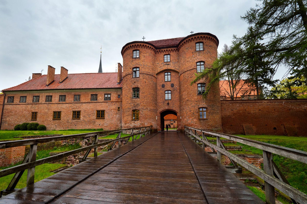 Taxi transfer from Airport Gdansk to Frombork