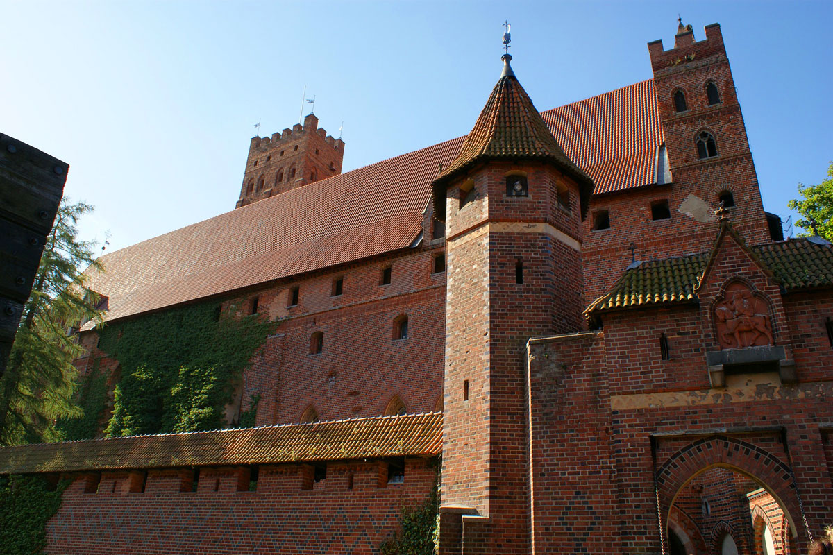 Shuttle from Gdansk, Sopot, Gdynia to castle Malbork Poland