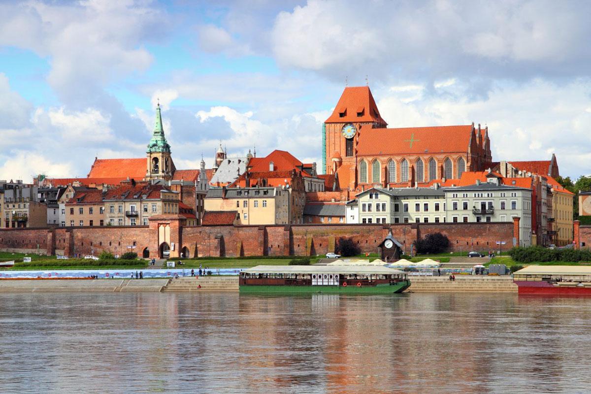 Airport Gdansk transfers to Torun