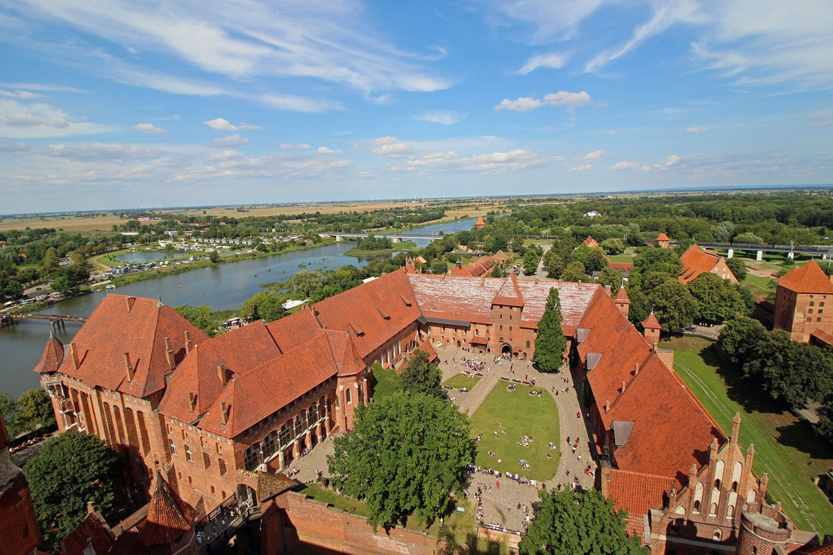 Private trip from Gdansk to Castle Malbork