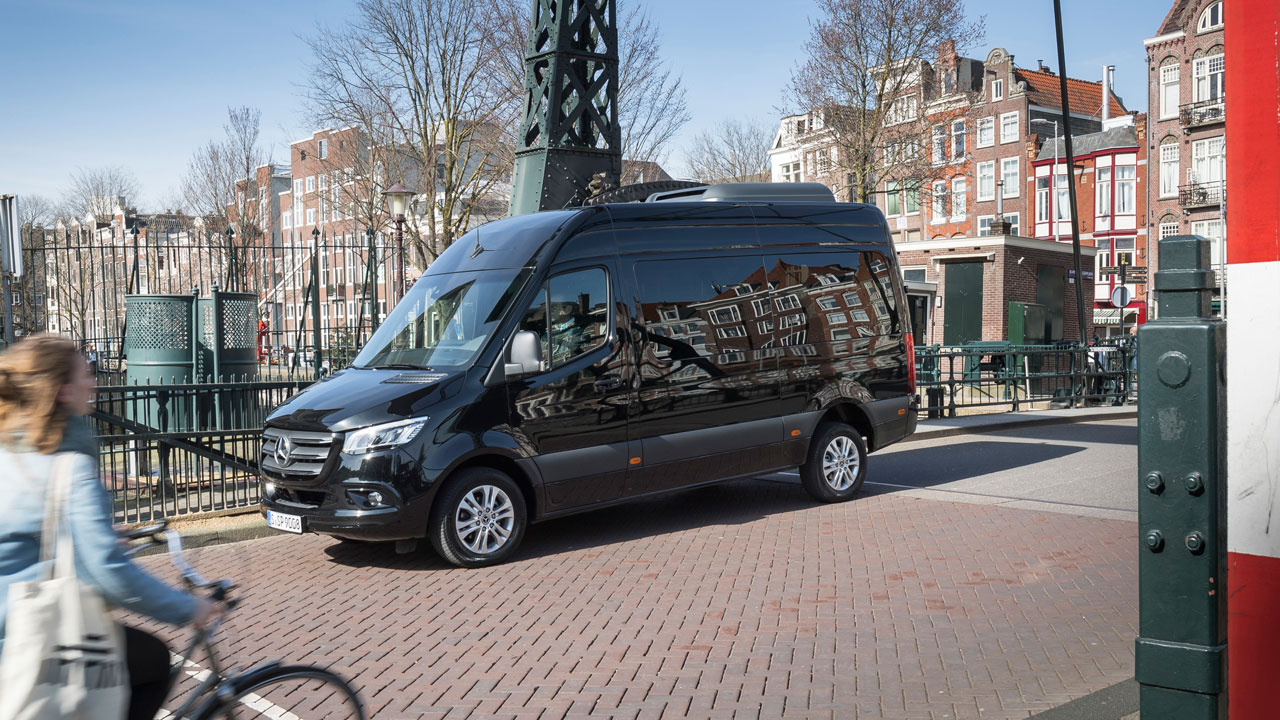 Luxury mini bus to/from airport Gdansk Mercedes Sprinter