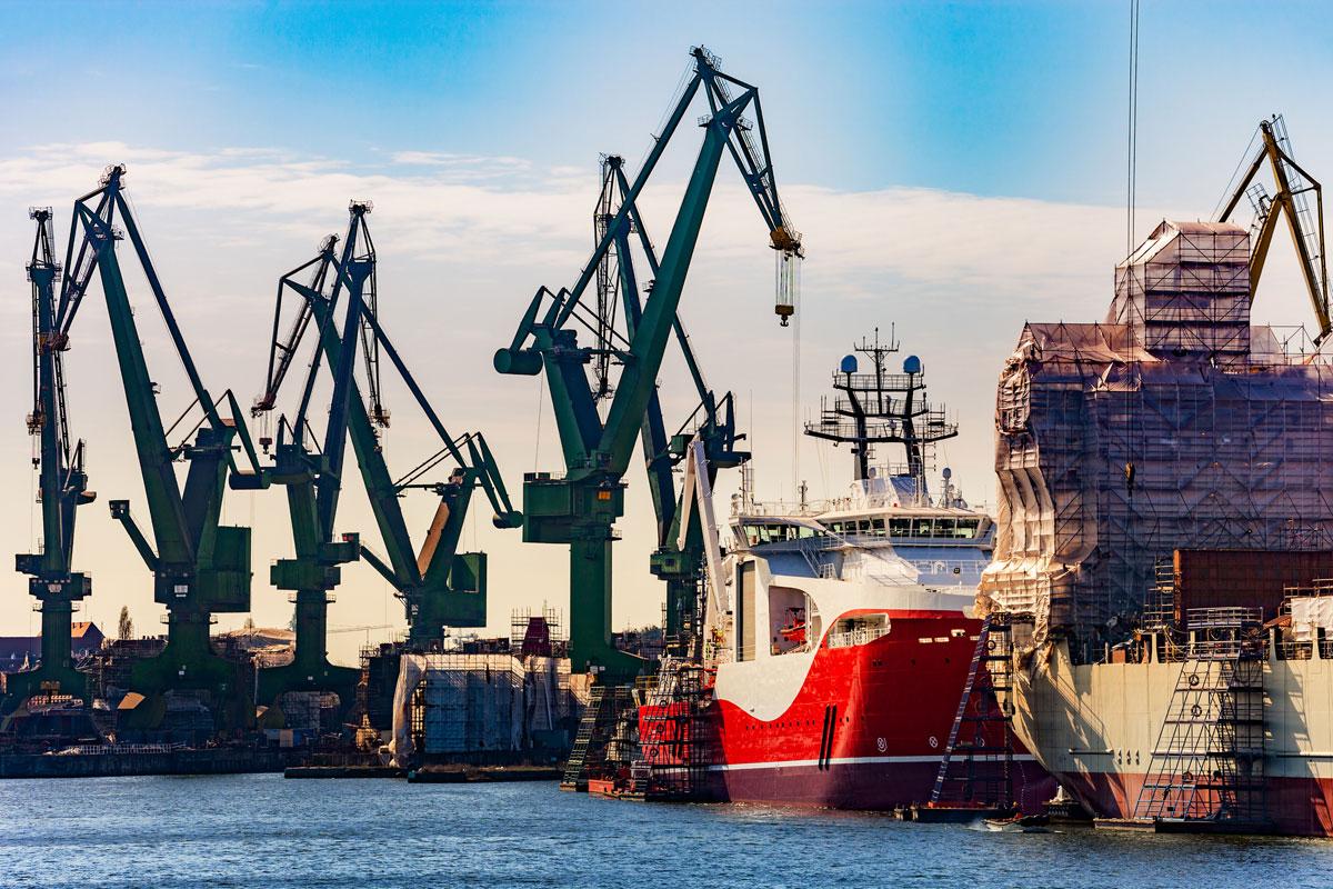 taxi transfer airport Gdansk to shipyard Gdansk